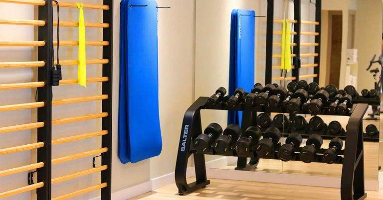 El gimnasio del Hotel Don Pancho cuenta con una serie de accesorios y detalles como espalderas y colchonetas