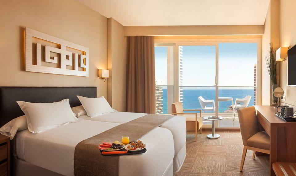 Habitación Superior. Habitación amplia y con vistas al mar en el Hotel Don Pancho