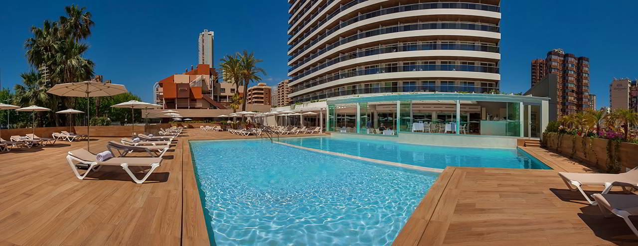 Rel jate en nuestra piscina climatizada hotel don pancho for Temperatura piscina climatizada
