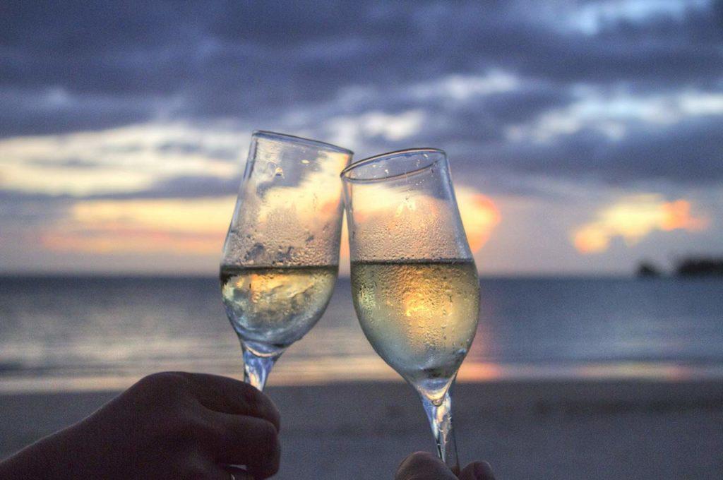 Celebrar los viajes en pareja