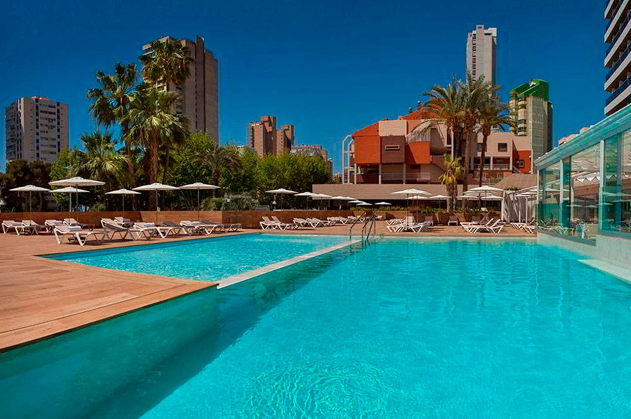 Enjoy the Don Pancho Hotel with a swimming pool
