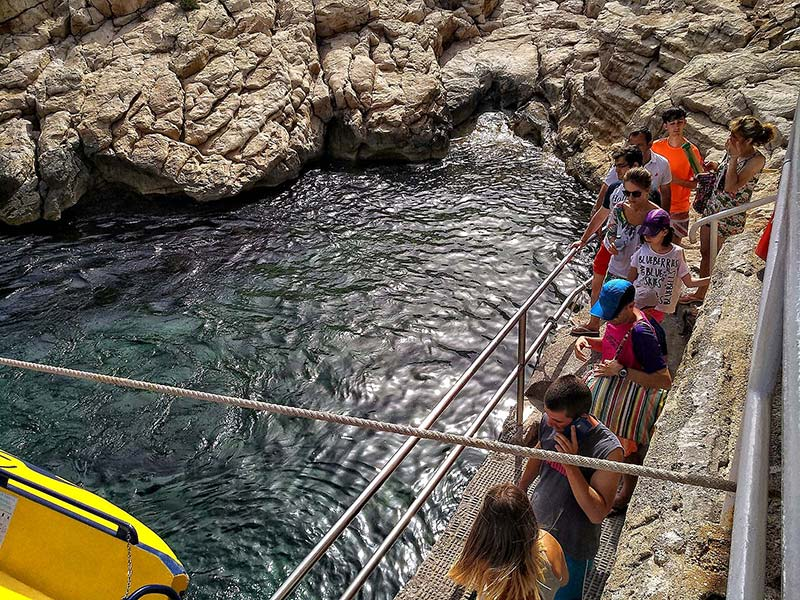 Guided tours on Benidorm Island