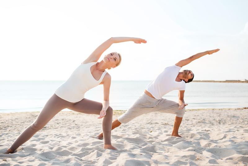 Yoga en la playa.